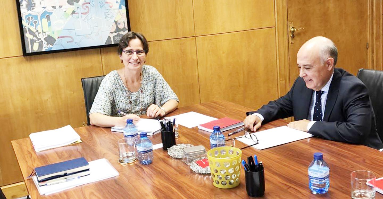 El Gobierno regional retoma con el Ministerio de Fomento los temas de transporte público para dar soluciones a los problemas de movilidad