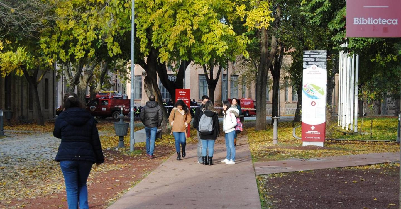 Castilla-La Mancha recupera progresivamente las becas de excelencia académica para universitarios con la convocatoria del curso 2016-2017