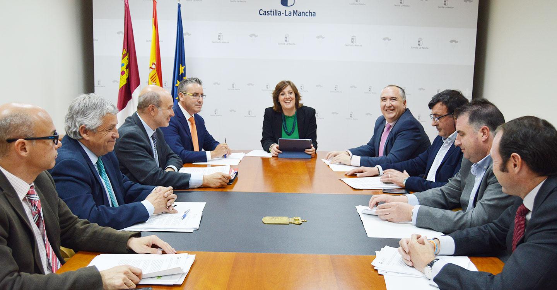 La consejera de Economía, Patricia Franco, se reúne con representantes de la Federación de Empresarios de Transporte de Castilla-La Mancha
