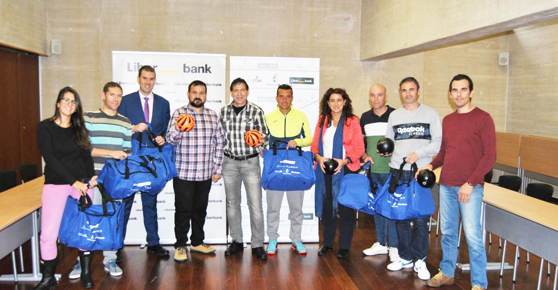 Los 160 centros educativos que inscribieron sus actividades de la Semana Europea reciben sus 'Kit Beactive' de material deportivo