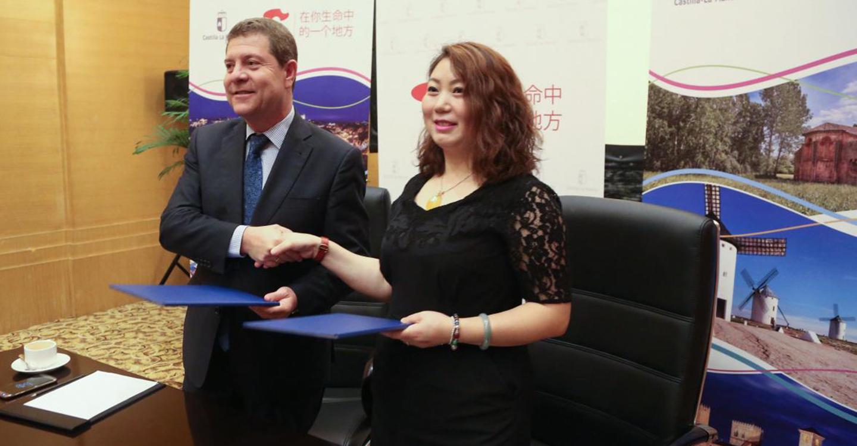 El Gobierno regional y el principal turoperador de Chengdu suscriben un acuerdo para fomentar el turismo con destino Castilla-La Mancha