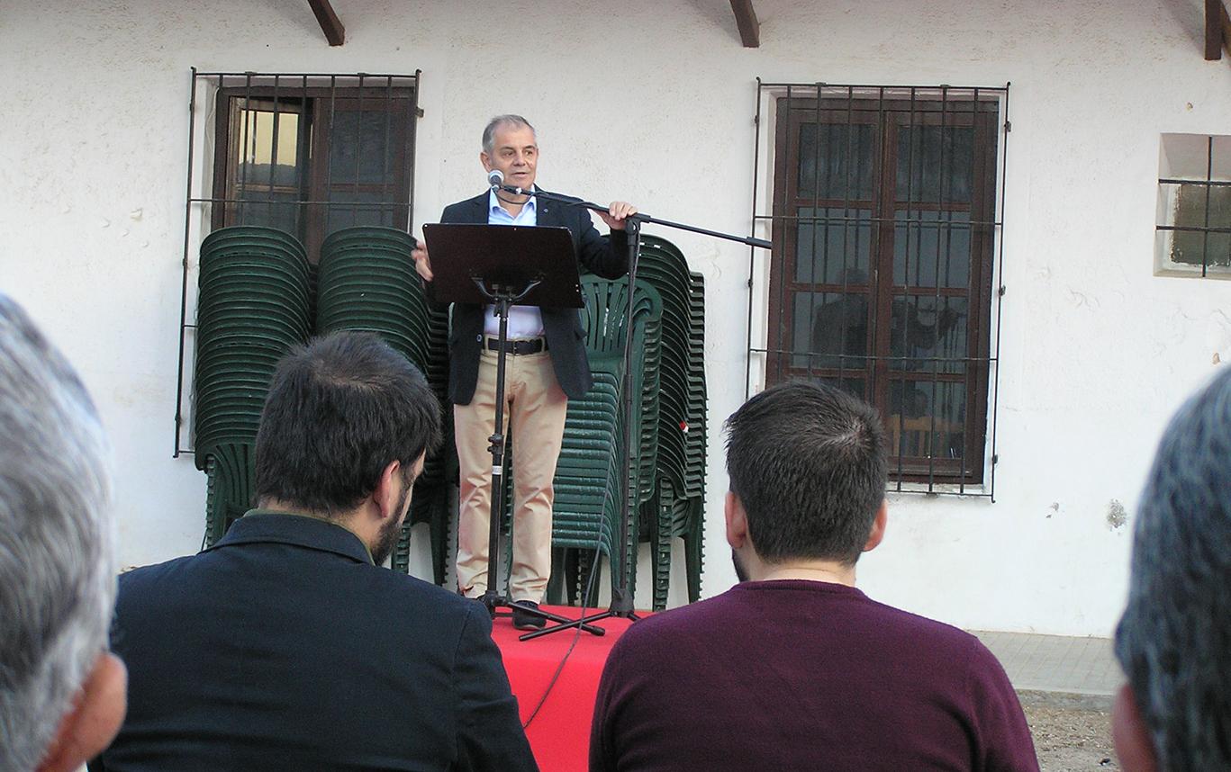Con el pregón y una visita guiada por una cueva tomellosera se inauguraba la Festividad de San Isidro.