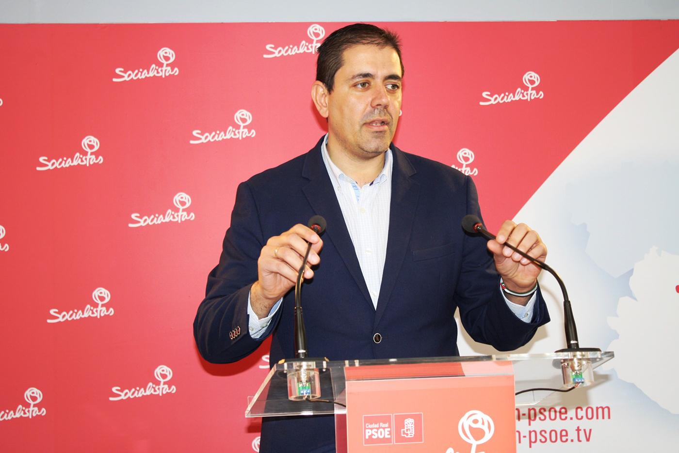 Bolaños hace hincapié en el trabajo conjunto del PSOE y los agentes sociales para la recuperación de la provincia, sin el apoyo de Rajoy