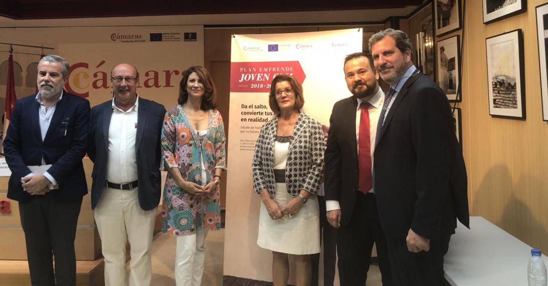 """El Gobierno regional respalda el programa 'Emprende Joven C-LM', iniciativa que, como en el deporte, """"ha sido posible gracias al trabajo en equipo"""""""