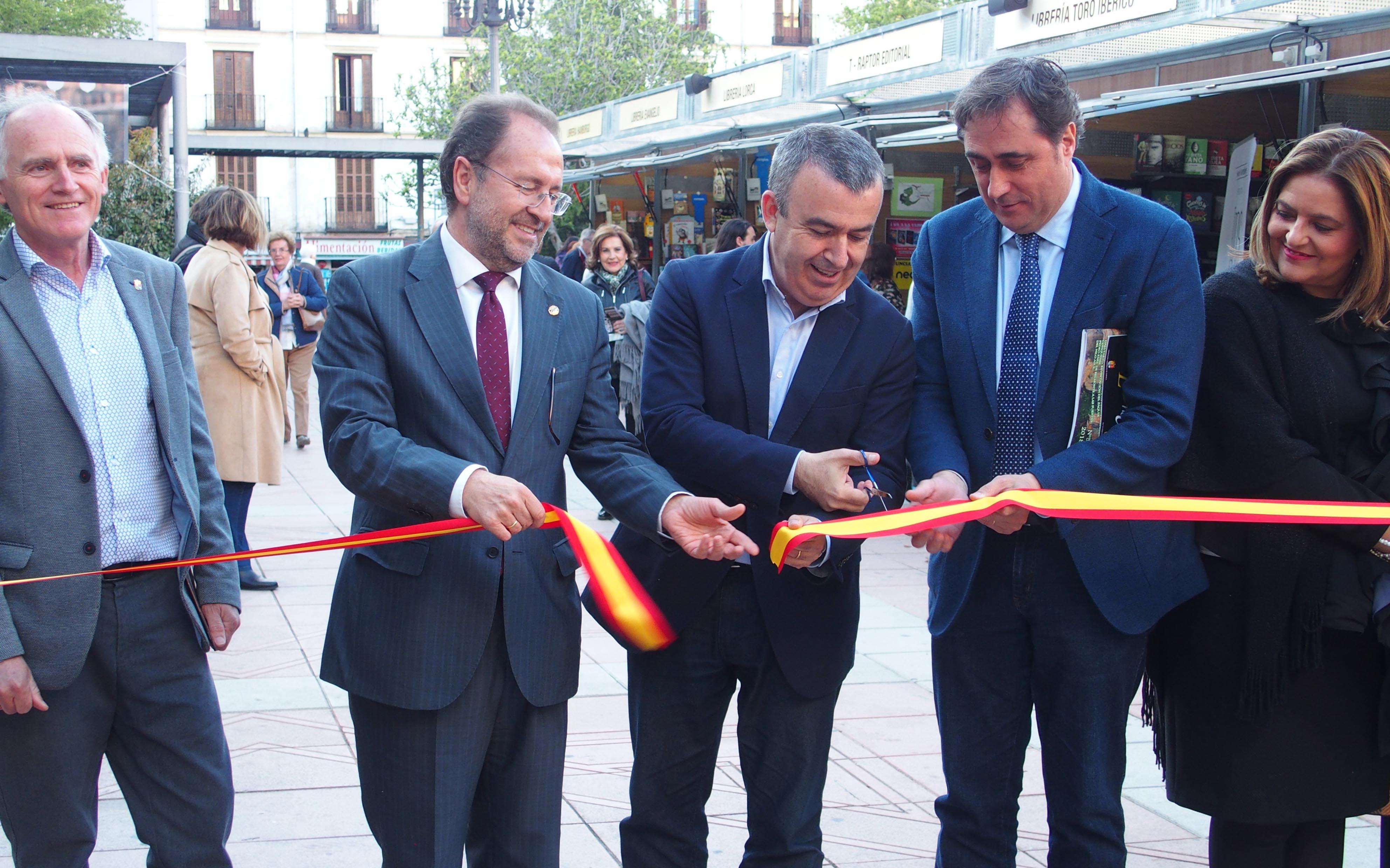 Lorenzo Silva destaca en su pregón la apuesta de Cuenca por el fomento de la lectura