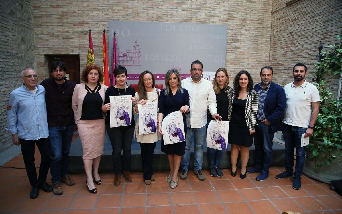 Milagros Tolón destaca que iniciativas como la XIII Feria del Libro son posibles al aunar esfuerzos entre Ayuntamiento y colectivos