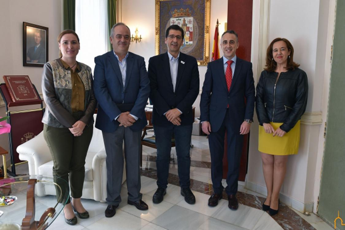 El presidente de la Diputación de Ciudad Real recibe a la nueva directiva de FEPU