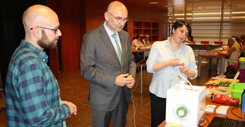 El Gobierno regional forma a técnicos de consumo en la utilización de recursos educativos digitales