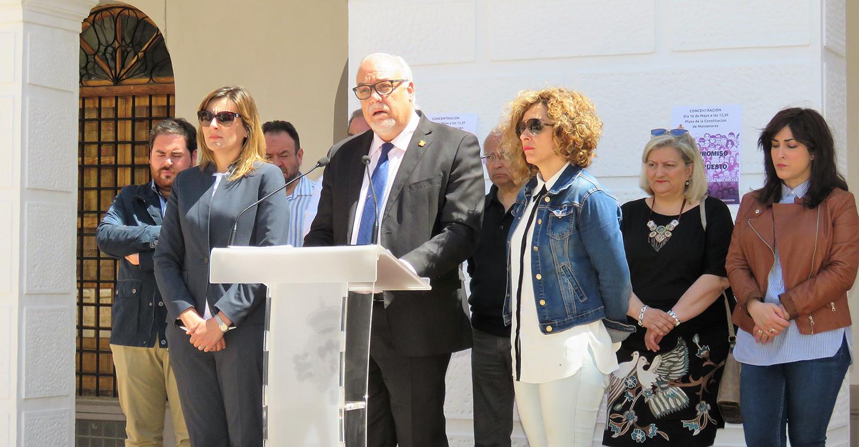 Manzanares pide al Gobierno que cumpla su compromiso contra la violencia machista
