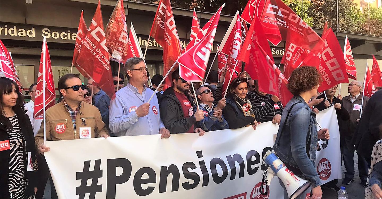 Cientos de personas vuelven a manifestarse en CLM convocadas por CCOO y UGT para exigir la derogación de la reforma del sistema público de pensiones