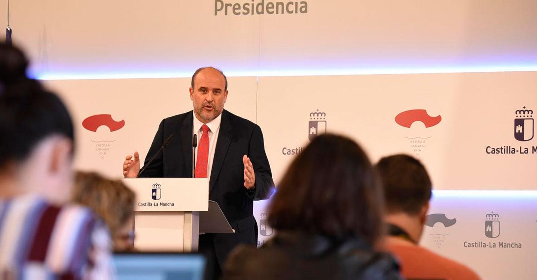 """Martínez Guijarro invita a Núñez a concretar en el próximo Debate del Estado de la Región """"en qué se va a diferenciar de Cospedal"""""""