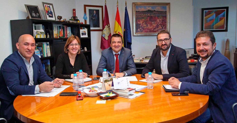 El Gobierno regional cierra con el PSOE los contactos políticos del documento del agua que será ratificado en las Cortes de Castilla-La Mancha