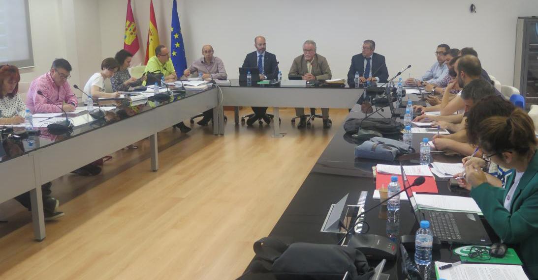 El Gobierno regional y los sindicatos aprueban el II Plan Concilia, que mejorará la conciliación de la vida personal, laboral y familiar de los empleados públicos
