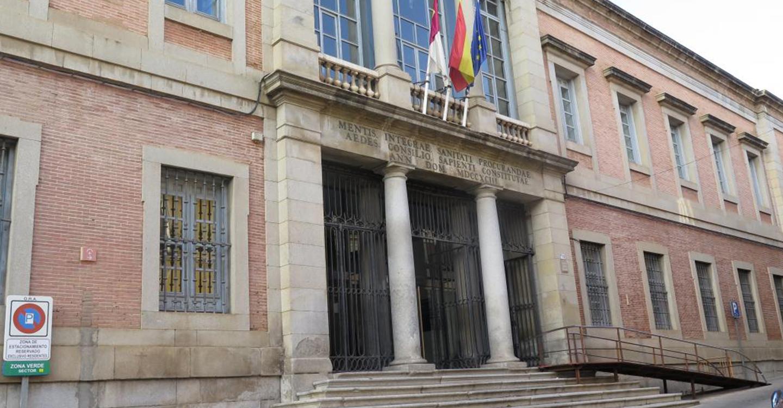 El peso de la deuda pública sobre el PIB de Castilla-La Mancha crece en lo que va de legislatura tres veces menos que la media nacional
