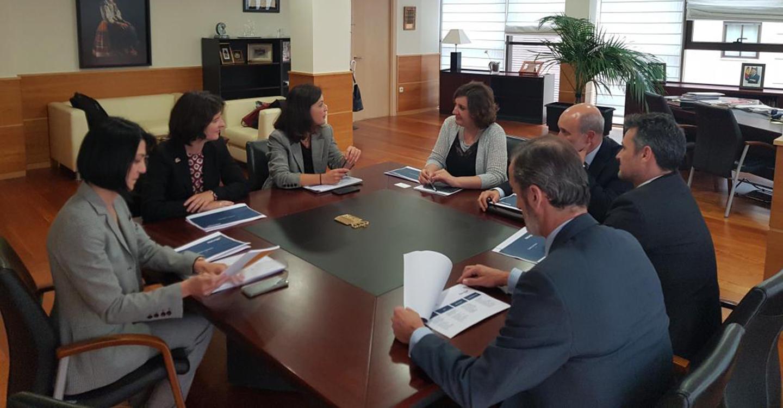 La consejera de Economía, Empresas y Empleo se interesa por los planes de expansión de las filiales de gas y electricidad del grupo Naturgy
