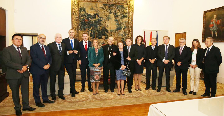"""El presidente García-Page reclama que España """"se plantee en serio"""" la industria cultural y una mayor aportación del PIB a este sector"""