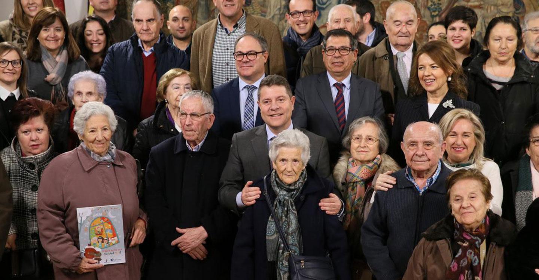 La campaña 'Navidad en Compañía. Ningún mayor solo' del Gobierno regional ya supera las 1.000 estancias solicitadas