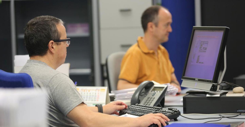 Los empleados públicos de Castilla-La Mancha recuperan desde el 1 de enero la jornada laboral de 35 horas semanales