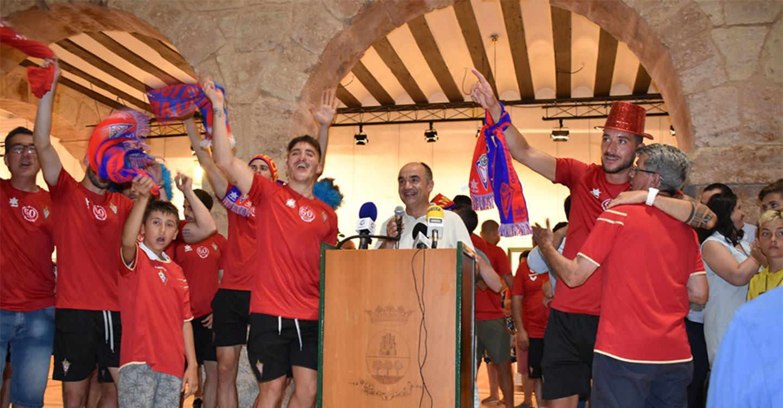 El CP Villarrobledo es recibido en el Ayuntamiento para celebrar el histórico ascenso a Segunda B