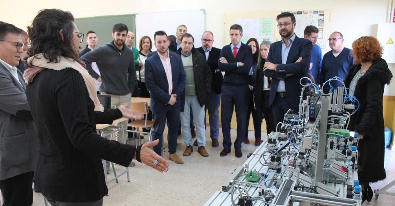 El Gobierno de Castilla-La Mancha evalúa 102 proyectos de innovación presentados por centros educativos de Formación Profesional