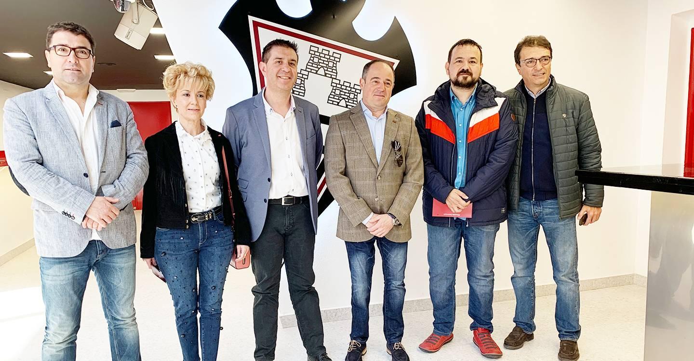 El Gobierno regional muestra su apoyo al Fundación Albacete por ser un ejemplo de la presencia femenina en el deporte