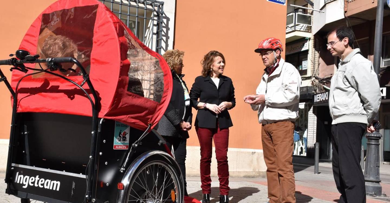 El Gobierno regional valora el novedoso proyecto 'En Bici sin Edad' que busca luchar contra la soledad de las personas mayores