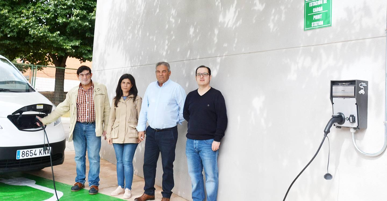 El Bonillo instala el primer cargador público de vehículos eléctricos en la provincia