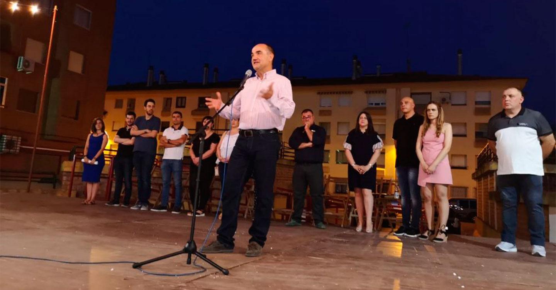 El Alcalde felicita a los vecinos y vecinas del Barrio de San Antón en la inauguración de la Fiestas en Honor a la Virgen del Carmen.