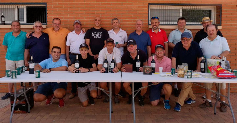 El Concejal de Deportes, Miguel Hergueta asiste a la entrega de trofeos del I Torneo de Golf Bodegas La Jaraba