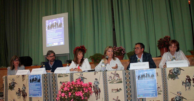 Nieves García reivindica, en el marco de la Jornada de mujeres en el Medio Rural, celebrada en Mahora, el protagonismo del colectivo femenino