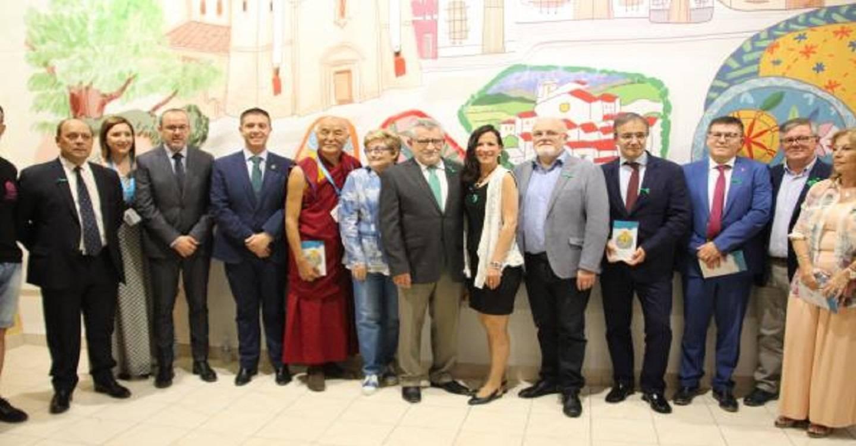 """El Gobierno regional destaca el esfuerzo """"colectivo de todo un pueblo"""" para hacer de Elche de la Sierra el centro mundial del arte efímero"""