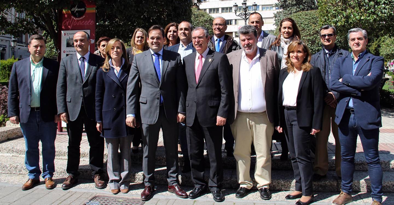 Núñez anuncia una reforma integral del Hospital de Albacete y la recuperación del proyecto del Museo de Arte Realista