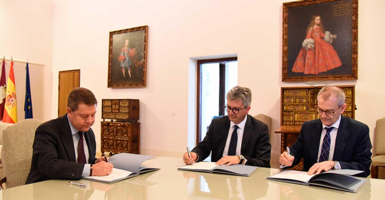 El Gobierno regional y Airbus Helicopters suscriben un protocolo para implantar un Centro Logístico Industrial en Albacete, que supondrá un revulsivo para el empleo