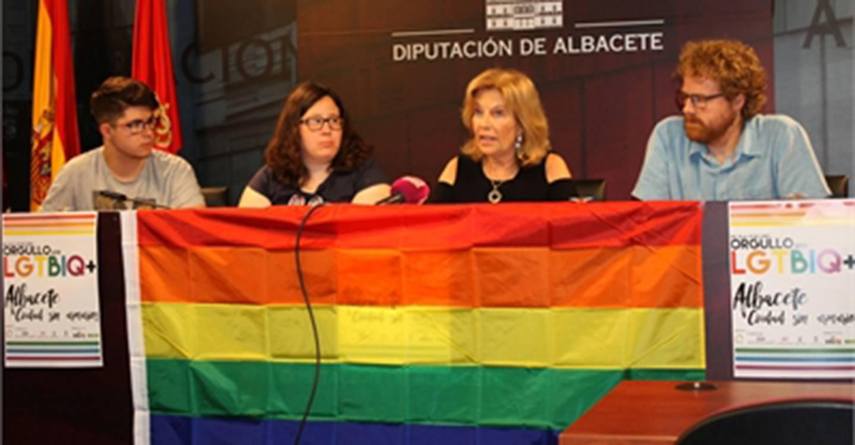 La Diputación iluminará esta noche su fachada con los colores del arco iris en apoyo al colectivo de personas LGTBIQ+