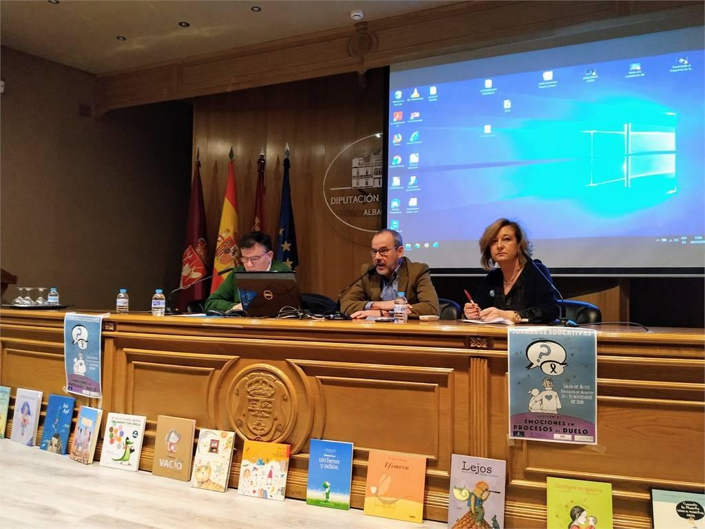 Más de 130 docentes participan en las 'I Jornadas Educativas sobre la Gestión de Emociones en Procesos de Duelo' destinadas a docentes