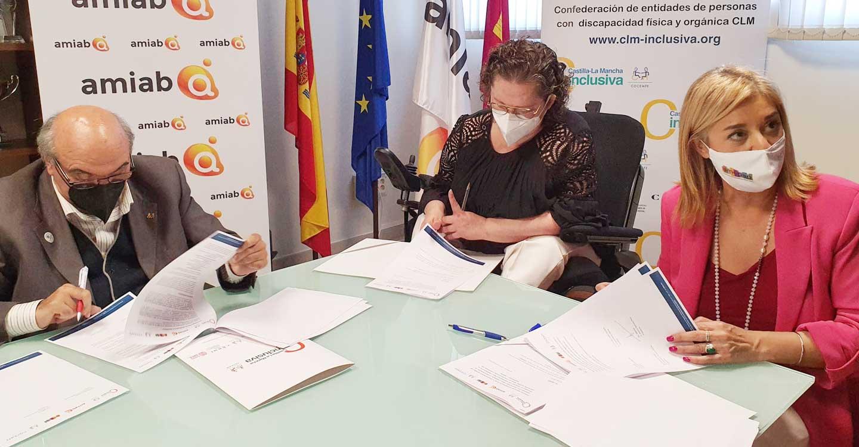 COCEMFE, CLM INCLUSIVA COCEMFE, Y GRUPO AMIAB firman un convenio de colaboración con la Asociación de Mujeres Empresarias de Albacete y provincia (AMEPAB)