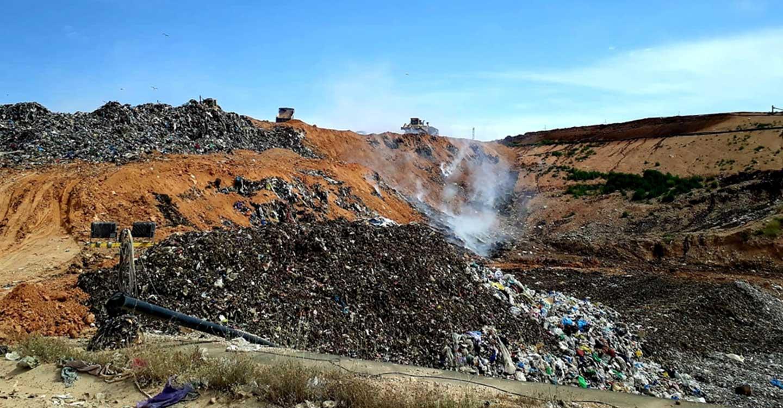 Amparo Torres avanza que el incendio en el CTRU de Albacete quedará sellado hoy y afirma que no ha habido ninguna incidencia en la recogida de residuos esta noche