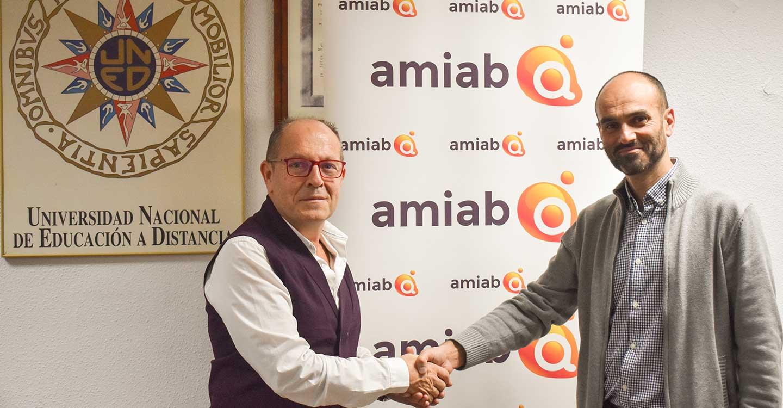 Asociación Amiab firma un convenio de colaboración con el Centro Asociado de la UNED en Albacete