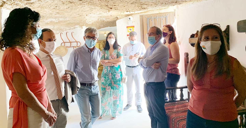 """El presidente de las Cortes regionales confía en el retorno de """"la cordialidad y los acuerdos"""" con el nuevo periodo de sesiones"""