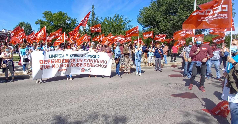 CCOO y UGT mantienen su exigencia de subida salarial para las 6000 personas trabajadoras del sector de la limpieza y la ayuda a domicilio de Albacete