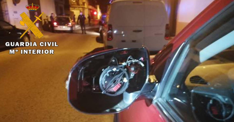 La Guardia Civil de Villarrobledo detiene a una persona por ocasionar daños en seis vehículos estacionados en una calle de Villarrobledo