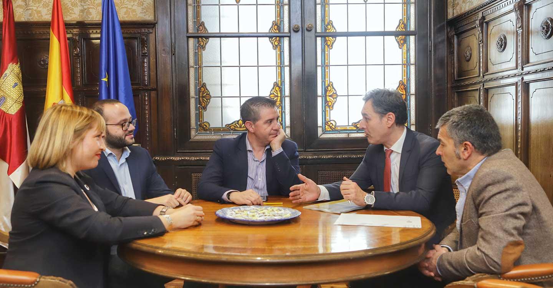 Delegación del Gobierno y Diputación colaborarán para favorecer en los ayuntamientos proyectos de reducción de emisiones de CO2