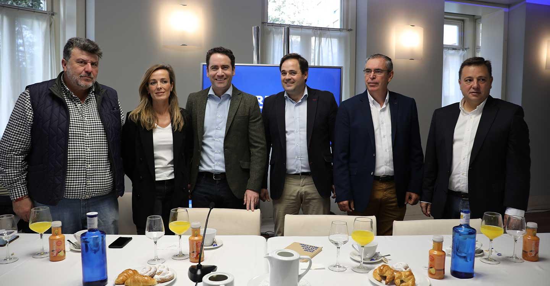 """Paco Núñez afirma que """"Carmen Navarro o Manuel Serrano nunca votarán un presidente que pacte con Junqueras o Bildu"""" y se pregunta si los diputados del PSOE-CLM pueden decir lo mismo"""