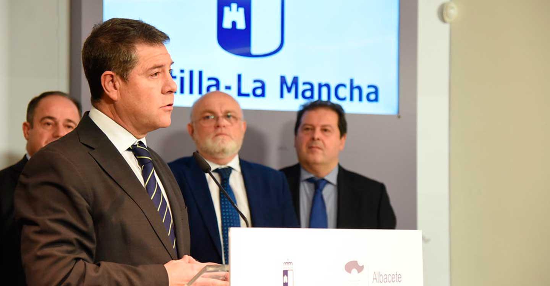 """García-Page advierte a los separatistas catalanes que la soberanía española """"no es discutible ni troceable"""""""
