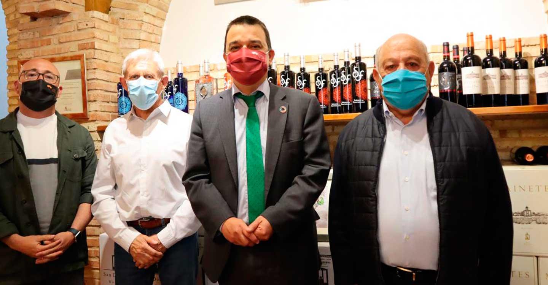 El Gobierno de Castilla-La Mancha reconoce el esfuerzo de las cooperativas que dan valor al producto embotellando el vino y crean futuro en el medio rural
