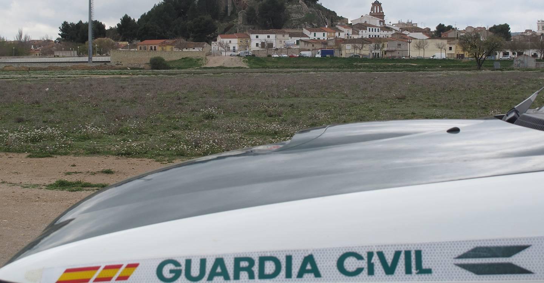 La Guardia Civil de Almansa detiene a tres personas por un robo con violencia y a otra por la receptación de los efectos sustraídos