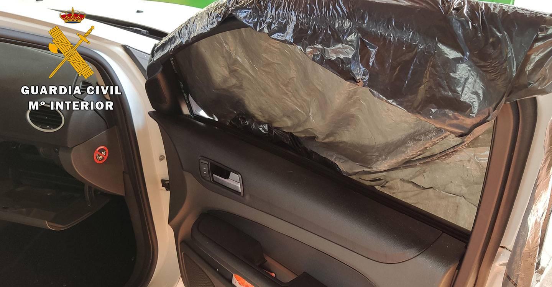 La Guardia Civil de Caudete detiene a un menor de edad por cometer 8 robos en el interior de vehículos estacionados en varias calles de Caudete