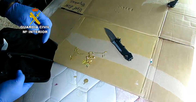 La Guardia Civil desarticula una organización criminal que robaba joyas y dinero en viviendas habitadas de varias provincias