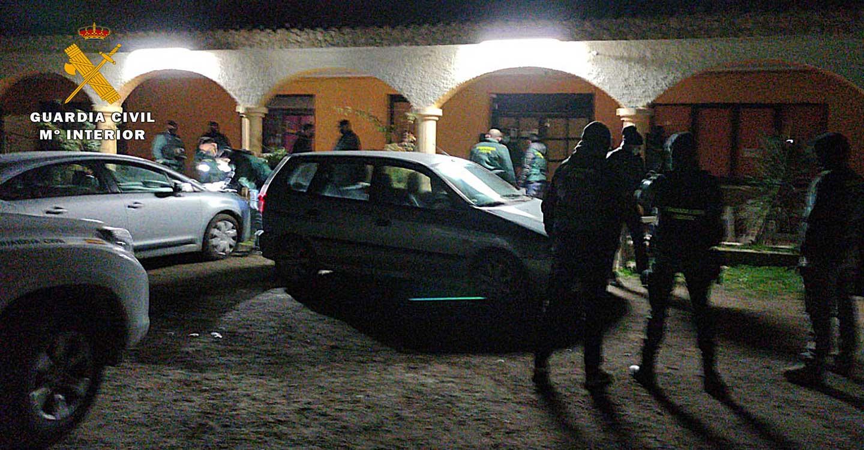 La Guardia Civil de Albacete disuelve una fiesta privada de 26 personas que incumplían las restricciones sanitarias por la COVID-19