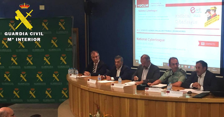 """Inaugurada en la Universidad de Albacete la """"I Liga Nacional Interuniversitaria de Retos del Ciberespacio"""" organizada por la Guardia Civil"""